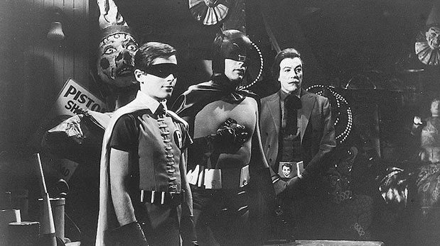 """Adam West, caracterizado como Batman (centro), junto a los actores Burt Ward, como Robin, y Cesar Romero, como el Guasón, en una imagen de la serie de televisión ""Batman"" de 1967"", publica la CNN. │Foto de: 20th Century Fox/Courtesy of Getty Images"